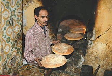 le four traditionnel pour faire cuir du pain beldi